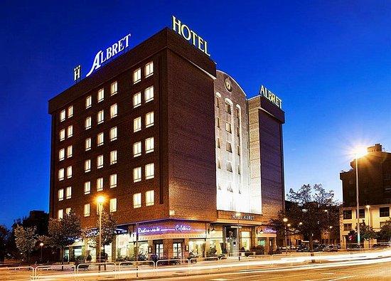 Hotel Albret: Exterior