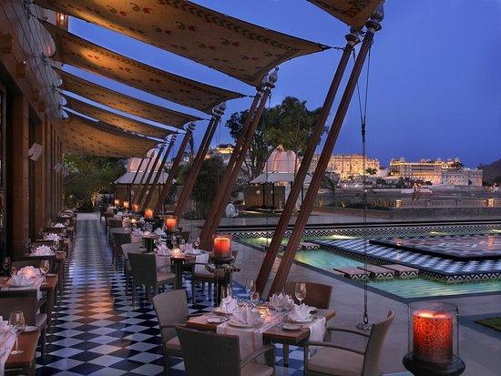 The Leela Palace Udaipur: Restaurant