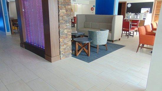 Wapakoneta, Огайо: Lobby