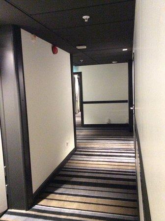 Hotel C Stockholm: 結構長い廊下