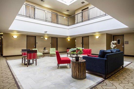 Comfort Inn & Suites San Francisco Airport WEST: Lobby