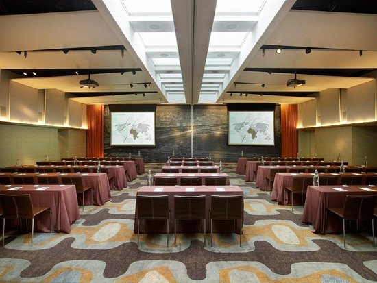 The James Chicago-Magnificent Mile: Meeting room