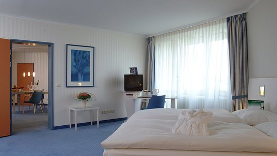 Holiday Inn Munich-South: Suite