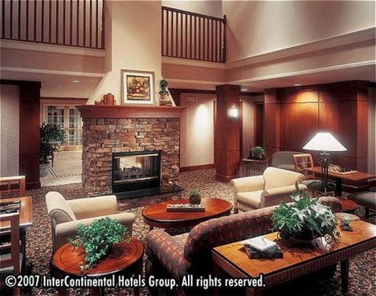 Staybridge Suites Oakville: Lobby