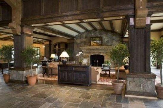 Legacy Lodge: Lobby