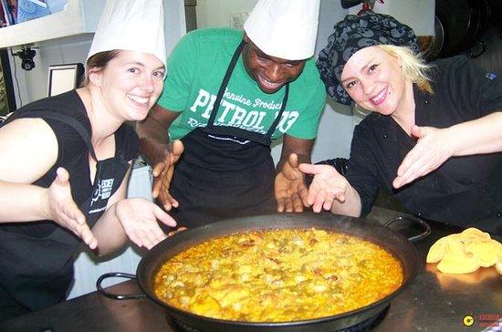 Clase de cocina de paella y visita...