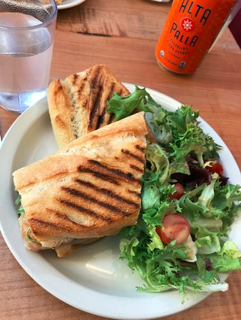 St. Honore Boulangerie: Brie Barlett Sandwich with Salad