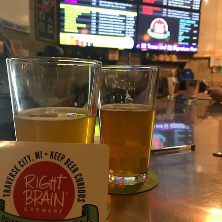 Right Brain Brewery: photo0.jpg