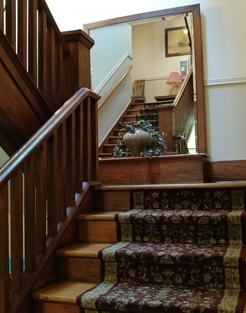 The Royal Hotel: Stairs From Second Floor To The Third...lovely Woodwork
