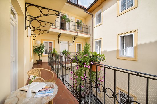 Boutique hotel constans 84 9 8 updated 2018 prices for Design boutique hotel prag