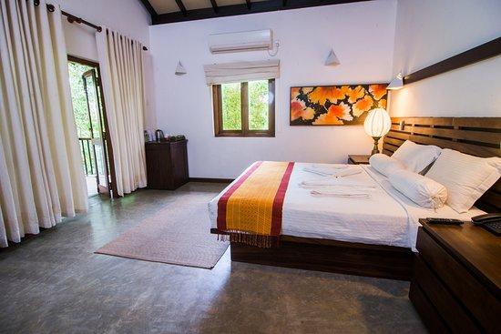 Pool - Picture of Roman Lake Ayurveda Resort, Balapitiya - Tripadvisor