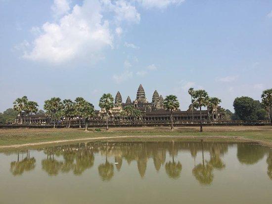 Svay Leu, Kambodża: Angkor Wat reflection