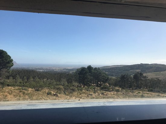 Sir Lowry's Pass, Zuid-Afrika: View from the loo ...
