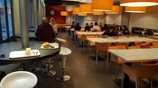 Gîte-Auberge de Jeunesse Jacques Brel : Sala colazione