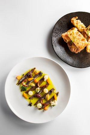 Cassa de la Selva, Spain: Anxoves del cantàbric i pa de coca artesanal, la combinació perfecte!