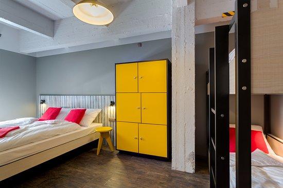 Saint-Jans-Molenbeek, Bélgica: MEININGER Hotel Brussels City Center 6 Bed Room