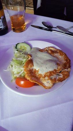 Llanymynech, UK: shami kebab starter wiht omlette top