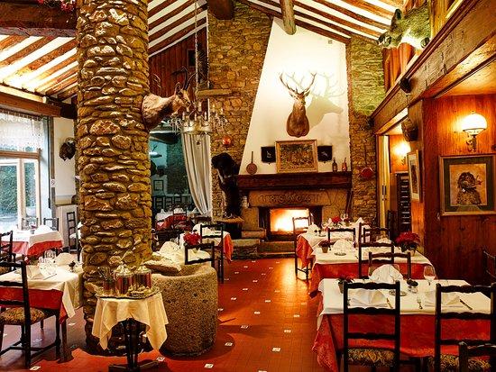 Salle du restaurant Chez Planes à Saillagouse