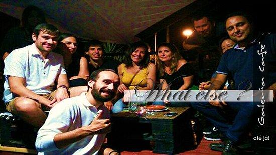 Sao Vicente, Portugal: Galeria Café, onde se celebra a amizade entre amigos e família.