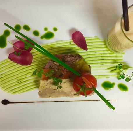 La Breille-les-Pins, Frankreich: pressée de jour de boeuf et foie gras