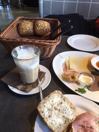 Rotenburg (Wumme), Niemcy: Frühstück