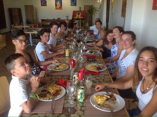 Bordeira, Portugal: Festa de aniversario