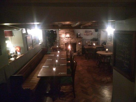 Standlake, UK: Restaurant by candlelight