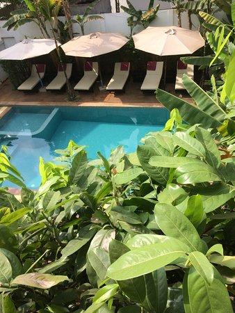 Apsara Centrepole Hotel: Pool, balcony view