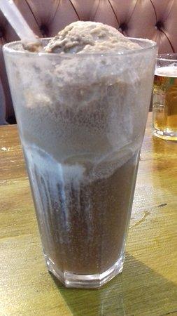 Flaxton, UK: Coke Float