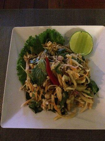 Apsara Centrepole Hotel: Delicious banana flower salad