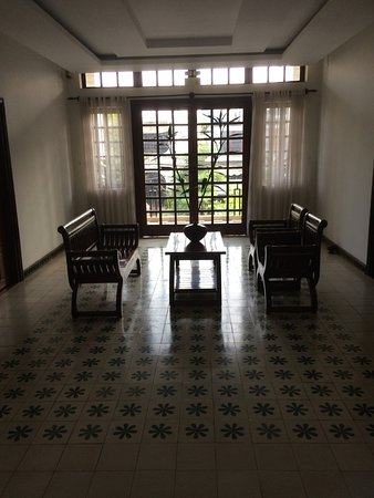 Apsara Centrepole Hotel: Second floor common area, lovely