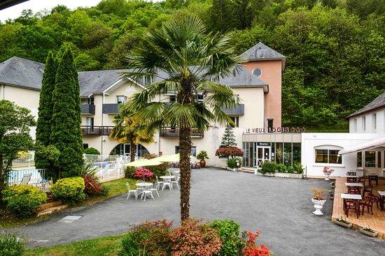 Lestelle Betharram, France: Entrée de l'hôtel