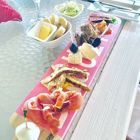 Chrishi Beach Club: We even got a Tapas menu