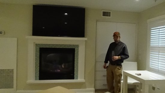 large flat screen tv above gas fireplace picture of chatham bars rh tripadvisor co uk