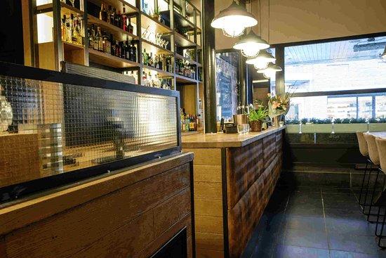Bilzen, Bélgica: Industrial Look Bar Het Magazijn