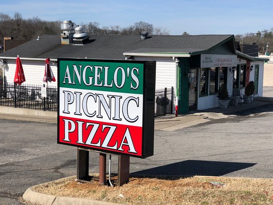 Angelo's Picnic Pizza: Street View