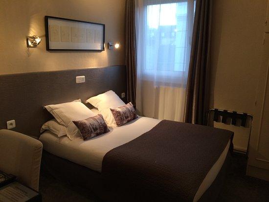 Chambre double standard - Picture of Hotel Jules, Le Touquet - Paris ...