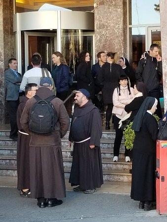 St. George Hotel Jerusalem: 20180311_075353_large.jpg