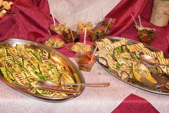 Santa Venerina, Italy: buffet i Russò