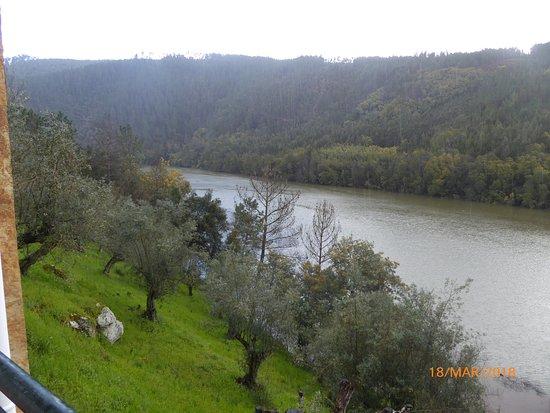 Posto de Turismo de Dornes: e o rio