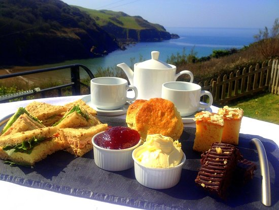 Hope Cove, UK: Afternoon Tea with a view
