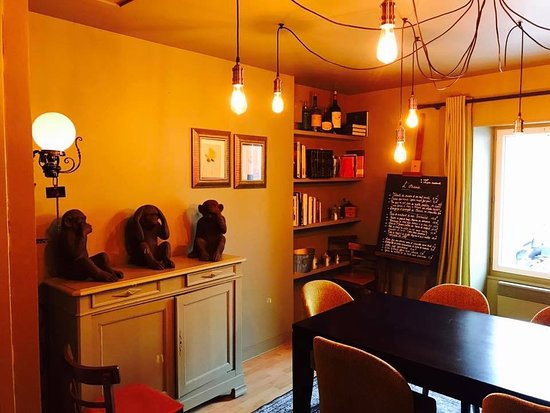 Maure-de-Bretagne, Γαλλία: Petit salon privé de 8 personnes maximum à l'étage