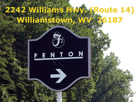 Williamstown, Virginia Occidentale: Visit Fenton Gift Shop! Located on St. Rt. 14 in Boaz. 800-319-7793. Hours 10-4 Tuesday-Saturday