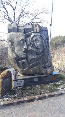 Montese, Italia: Il monumento
