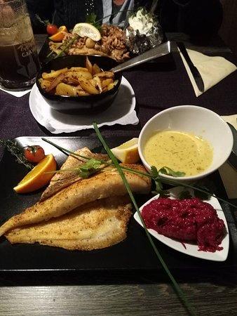 Esens, Tyskland: Portionen sind sehr üppig !!!