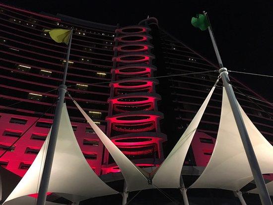 Jumeirah Beach Hotel: photo0.jpg