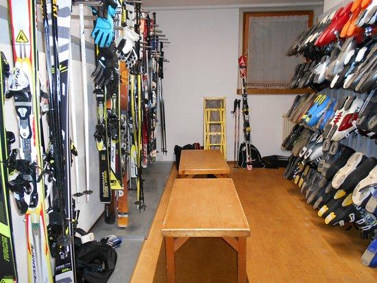San Martino in Badia, Italia: Skiroom