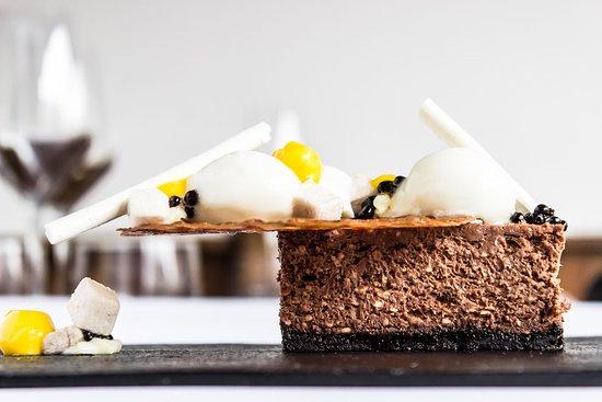 https://media-cdn.tripadvisor.com/media/photo-s/12/67/a1/04/cheesecake.jpg