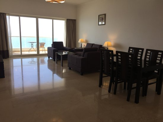 Ramada Beach Hotel Ajman Photo