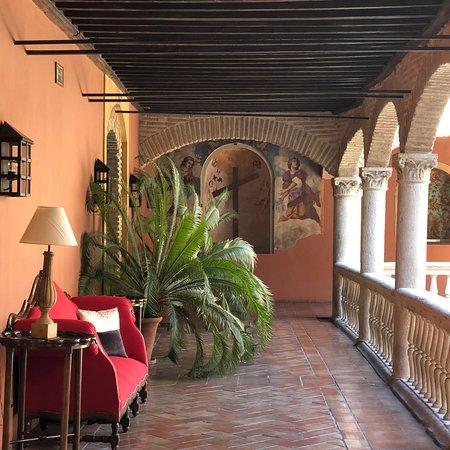 AC Palacio De Santa Paula, Autograph Collection: photo0.jpg